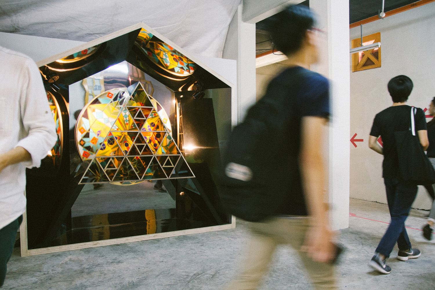 Topos Design Studio and Phunk Studio Present the ONLY moving Art Installation At Singaplural 2015