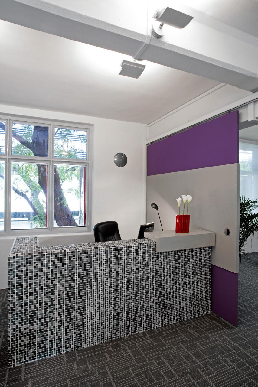 Icon communication topos for Design hub interior decoration llc