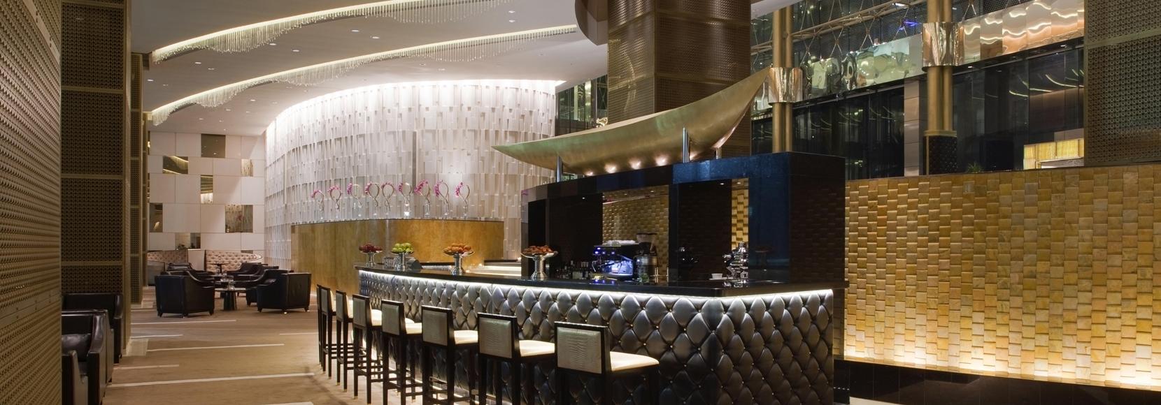 HOTEL BAR 4